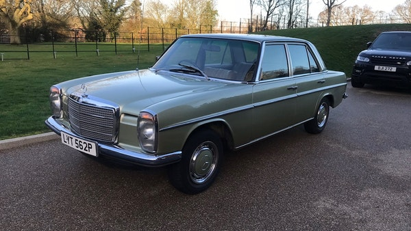 1976 Mercedes Benz 230/4 For Sale (picture 1 of 33)