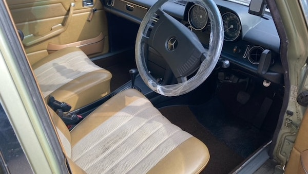 1976 Mercedes Benz 230/4 For Sale (picture 26 of 33)