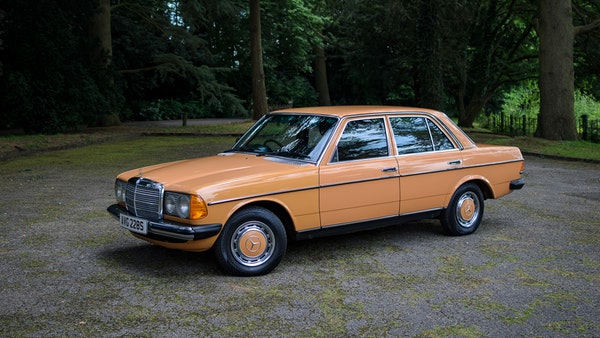 1978 W123 Mercedes 250 For Sale (picture 24 of 108)