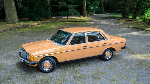 1978 W123 Mercedes 250 For Sale (picture 16 of 108)