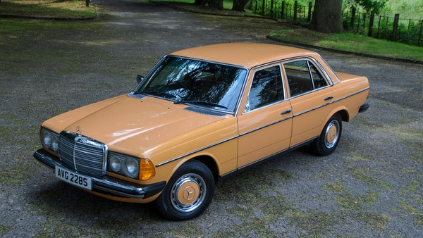 1978 W123 Mercedes 250 For Sale (picture 14 of 108)