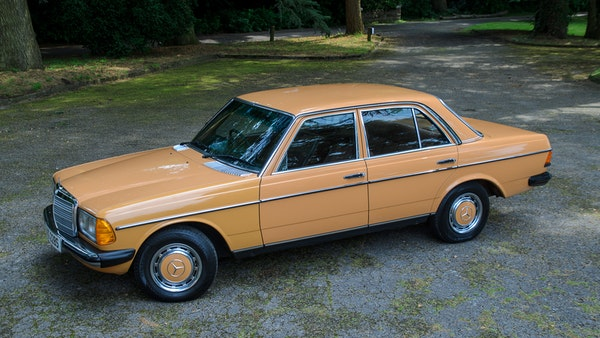 1978 W123 Mercedes 250 For Sale (picture 17 of 108)