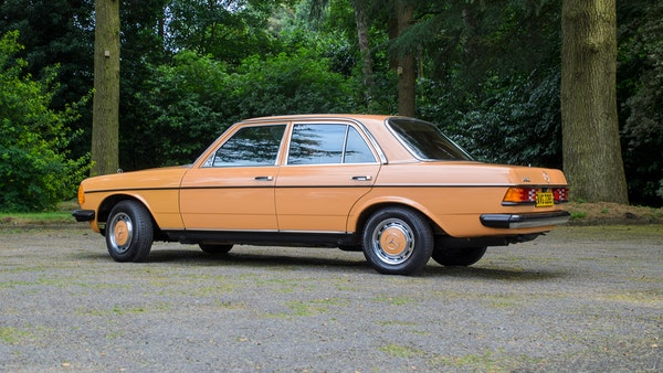1978 W123 Mercedes 250 For Sale (picture 9 of 108)