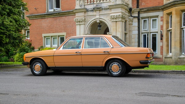 1978 W123 Mercedes 250 For Sale (picture 25 of 108)