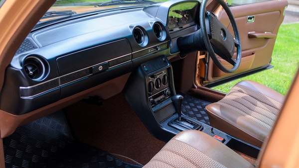 1978 W123 Mercedes 250 For Sale (picture 46 of 108)