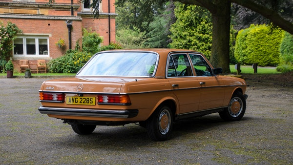 1978 W123 Mercedes 250 For Sale (picture 11 of 108)