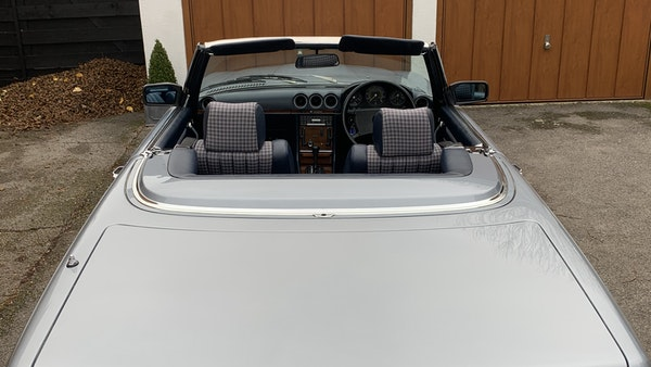 1983 Mercedes 280 SL Convertible For Sale (picture 103 of 182)