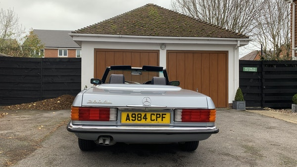 1983 Mercedes 280 SL Convertible For Sale (picture 11 of 182)