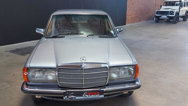 RESERVE LOWERED - 1983 Mercedes-Benz 280E For Sale (picture 4 of 49)