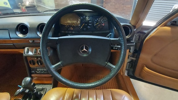 RESERVE LOWERED - 1983 Mercedes-Benz 280E For Sale (picture 20 of 49)