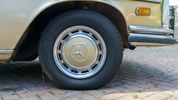 1972 Mercedes-Benz 280S LHD (W 108) For Sale (picture 24 of 140)