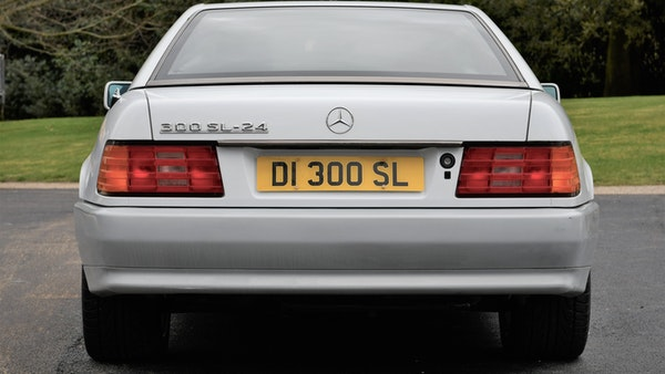 NO RESERVE! -1992 Mercedes-Benz 300 SL-24 For Sale (picture 6 of 126)