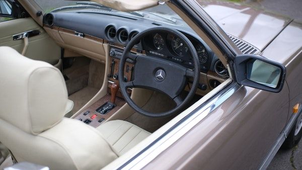 RESERVE LOWERED - 1988 Mercedes-Benz 300 SL For Sale (picture 43 of 285)