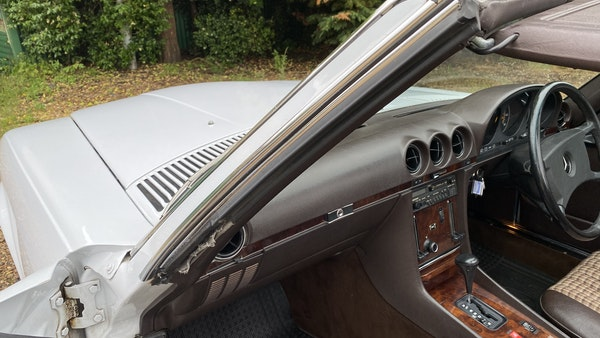 1989 Mercedes 300 SL For Sale (picture 134 of 245)