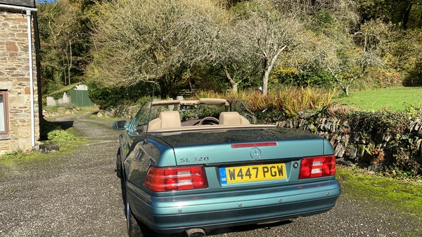 2000 Mercedes-Benz 320 SL Roadster For Sale (picture 14 of 53)