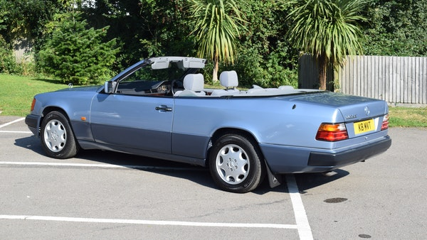 1993 Mercedes-Benz 320CE Convertible For Sale (picture 7 of 88)