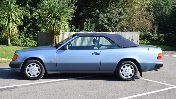 1993 Mercedes-Benz 320CE Convertible For Sale (picture 9 of 88)