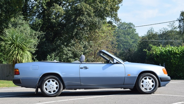 1993 Mercedes-Benz 320CE Convertible For Sale (picture 10 of 88)