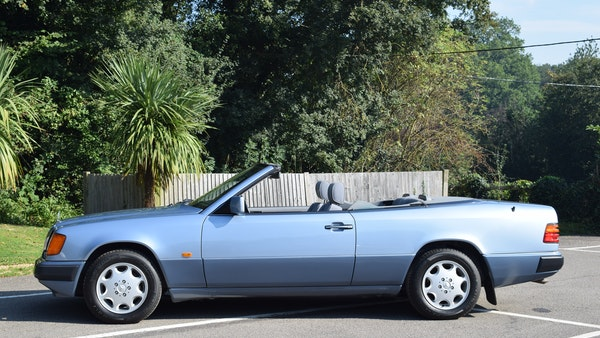 1993 Mercedes-Benz 320CE Convertible For Sale (picture 6 of 88)