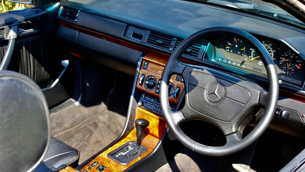 NO RESERVE! 1993 Mercedes-Benz 320CE Convertible For Sale (picture 73 of 156)