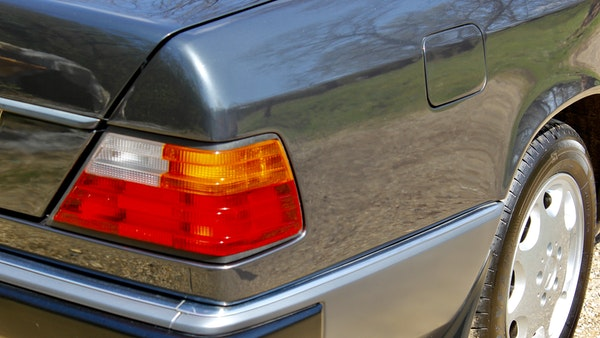 NO RESERVE! 1993 Mercedes-Benz 320CE Convertible For Sale (picture 89 of 156)