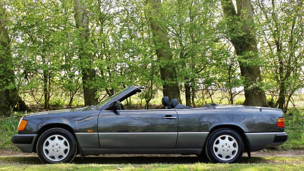 NO RESERVE! 1993 Mercedes-Benz 320CE Convertible For Sale (picture 21 of 156)