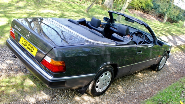 NO RESERVE! 1993 Mercedes-Benz 320CE Convertible For Sale (picture 26 of 156)