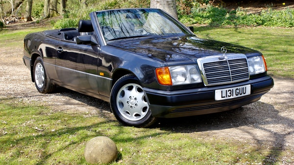 NO RESERVE! 1993 Mercedes-Benz 320CE Convertible For Sale (picture 1 of 156)