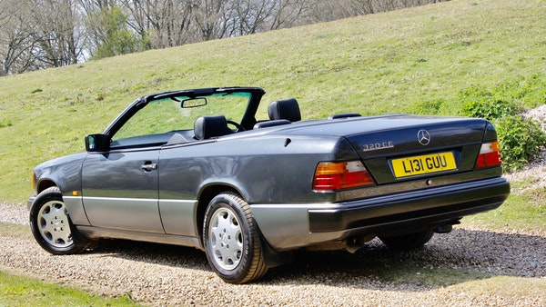 NO RESERVE! 1993 Mercedes-Benz 320CE Convertible For Sale (picture 41 of 156)