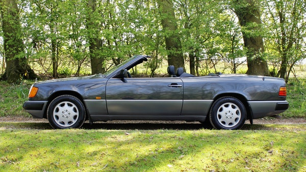 NO RESERVE! 1993 Mercedes-Benz 320CE Convertible For Sale (picture 22 of 156)