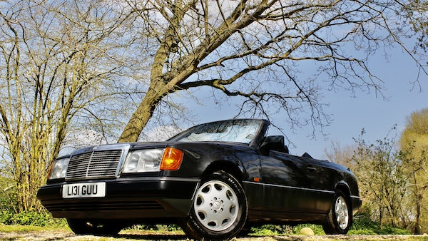 NO RESERVE! 1993 Mercedes-Benz 320CE Convertible For Sale (picture 49 of 156)