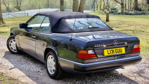 NO RESERVE! 1993 Mercedes-Benz 320CE Convertible For Sale (picture 11 of 156)