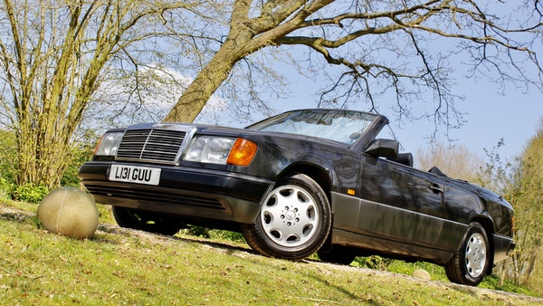 NO RESERVE! 1993 Mercedes-Benz 320CE Convertible For Sale (picture 46 of 156)