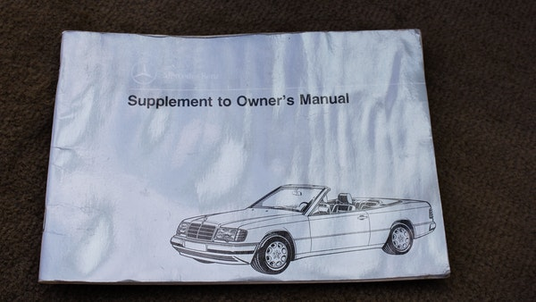 NO RESERVE! 1993 Mercedes-Benz 320CE Convertible For Sale (picture 146 of 156)