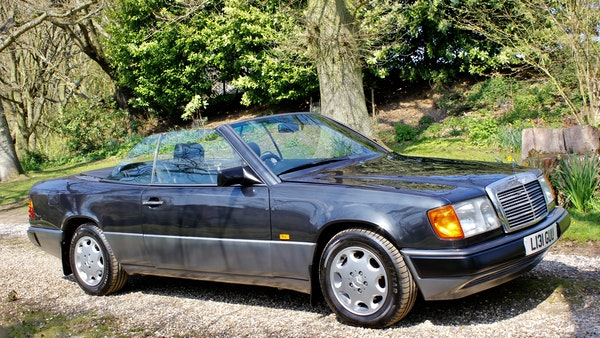 NO RESERVE! 1993 Mercedes-Benz 320CE Convertible For Sale (picture 18 of 156)