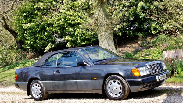 NO RESERVE! 1993 Mercedes-Benz 320CE Convertible For Sale (picture 16 of 156)