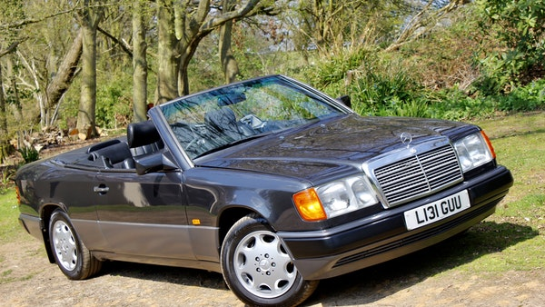 NO RESERVE! 1993 Mercedes-Benz 320CE Convertible For Sale (picture 62 of 156)