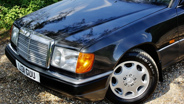 NO RESERVE! 1993 Mercedes-Benz 320CE Convertible For Sale (picture 33 of 156)