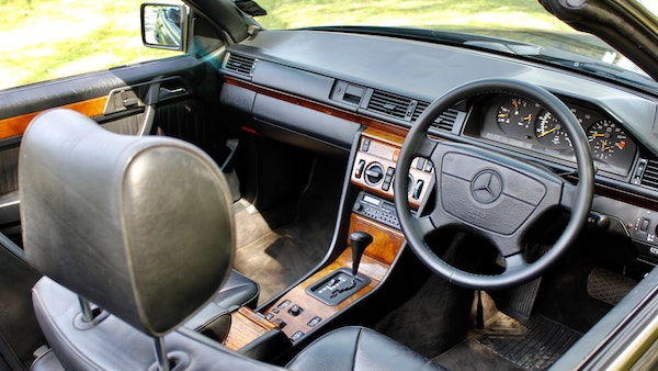 NO RESERVE! 1993 Mercedes-Benz 320CE Convertible For Sale (picture 75 of 156)