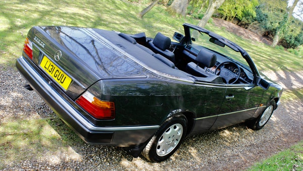 NO RESERVE! 1993 Mercedes-Benz 320CE Convertible For Sale (picture 25 of 156)