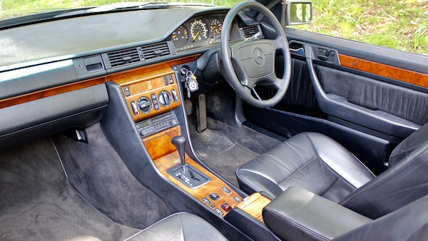 NO RESERVE! 1993 Mercedes-Benz 320CE Convertible For Sale (picture 83 of 156)