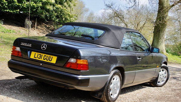 NO RESERVE! 1993 Mercedes-Benz 320CE Convertible For Sale (picture 5 of 156)