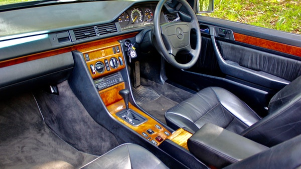 NO RESERVE! 1993 Mercedes-Benz 320CE Convertible For Sale (picture 82 of 156)