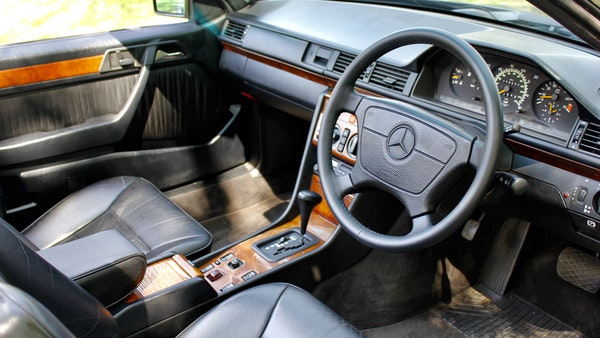 NO RESERVE! 1993 Mercedes-Benz 320CE Convertible For Sale (picture 77 of 156)