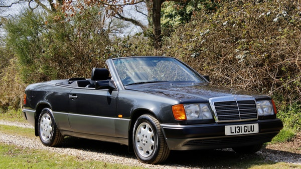 NO RESERVE! 1993 Mercedes-Benz 320CE Convertible For Sale (picture 20 of 156)