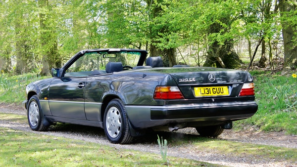 NO RESERVE! 1993 Mercedes-Benz 320CE Convertible For Sale (picture 23 of 156)