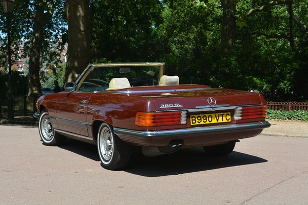 1984 Mercedes-Benz 380 SL For Sale (picture 18 of 159)