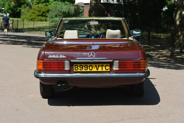 1984 Mercedes-Benz 380 SL For Sale (picture 24 of 159)