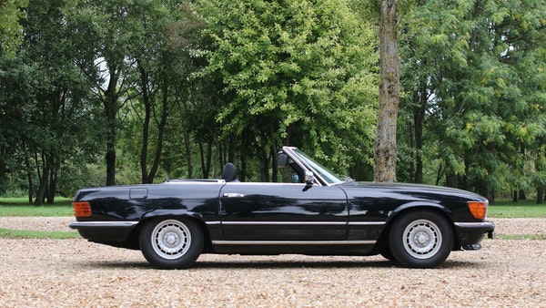 1982 Mercedes 500 SL For Sale (picture 24 of 202)