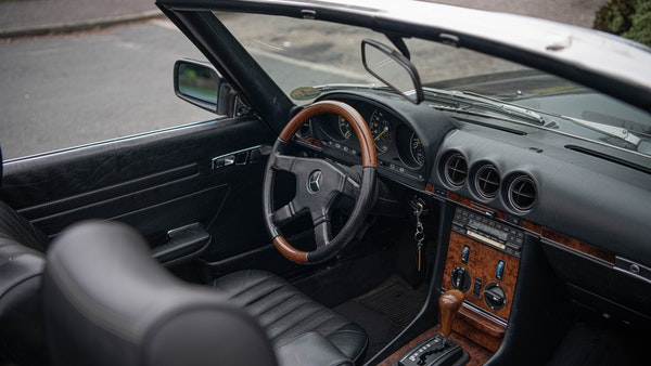 1985 Mercedes-Benz 500 SL LHD For Sale (picture 54 of 175)